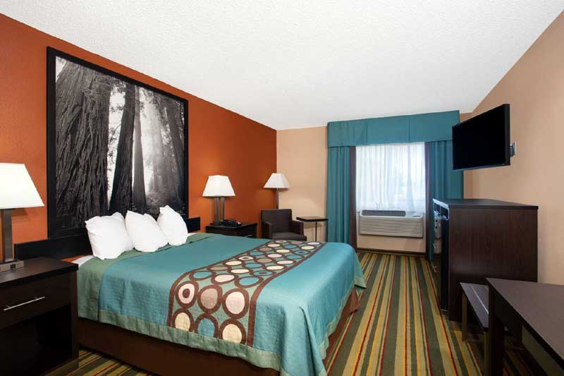Newly Remodeled Rooms Accommodations Lodging Chico California * Brand Hotels Downtown Airport Budget Cheap Rates