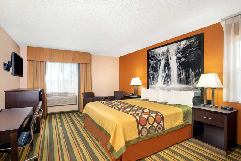 Great Rooms Accommodations Lodging Newly Remodeled Hotels Chico California * Affordable Budget Cheap Clean Rooms Brand